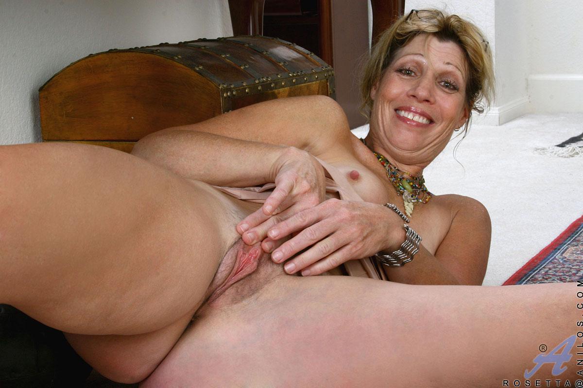 free mom mature