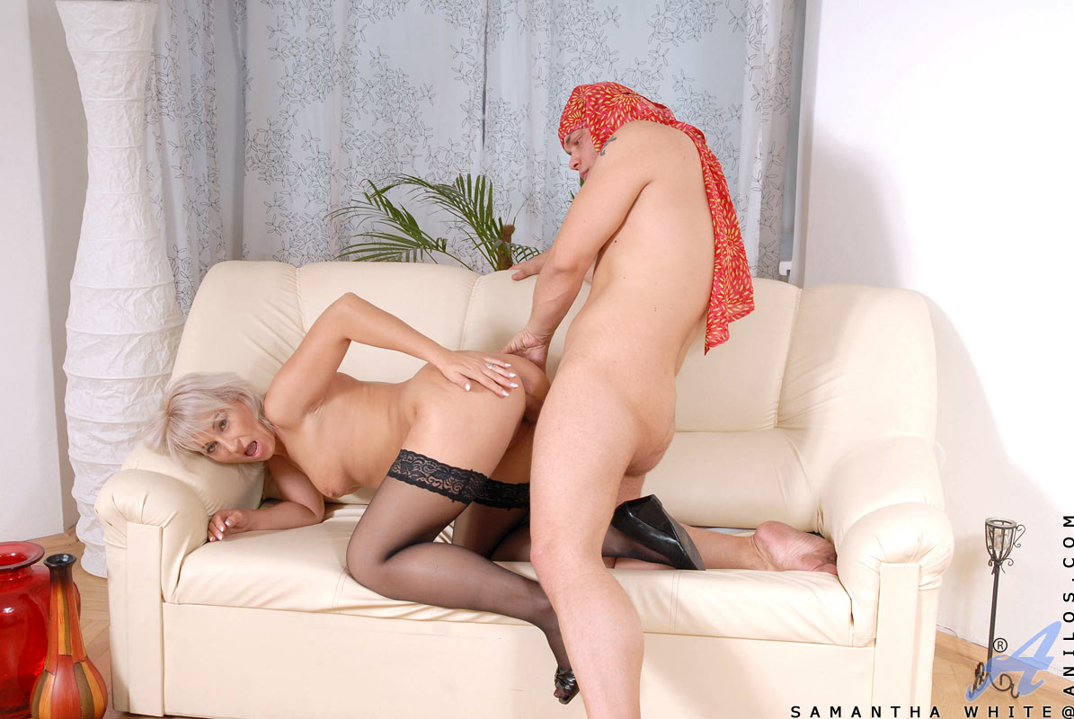 Hot and horny housewife Samantha White gets an awesome sucking and fucking from hunk stud