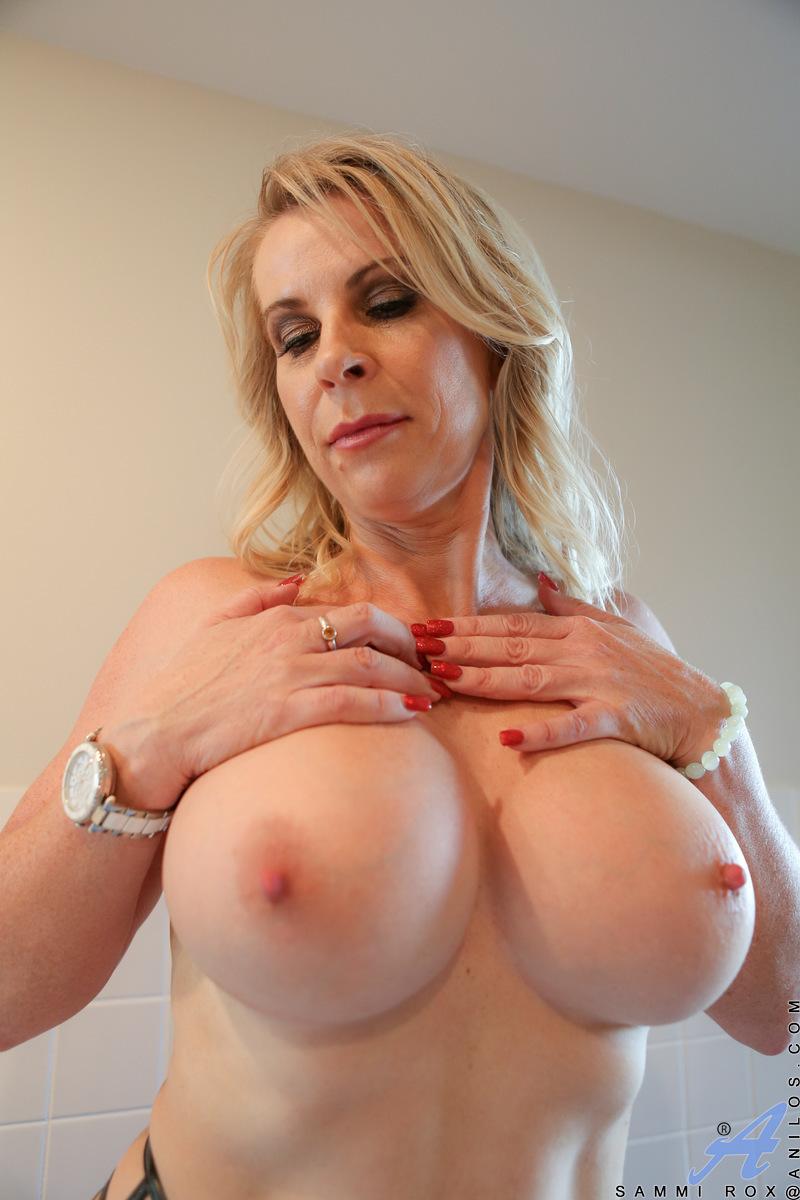 Mayor desnuda Mamá