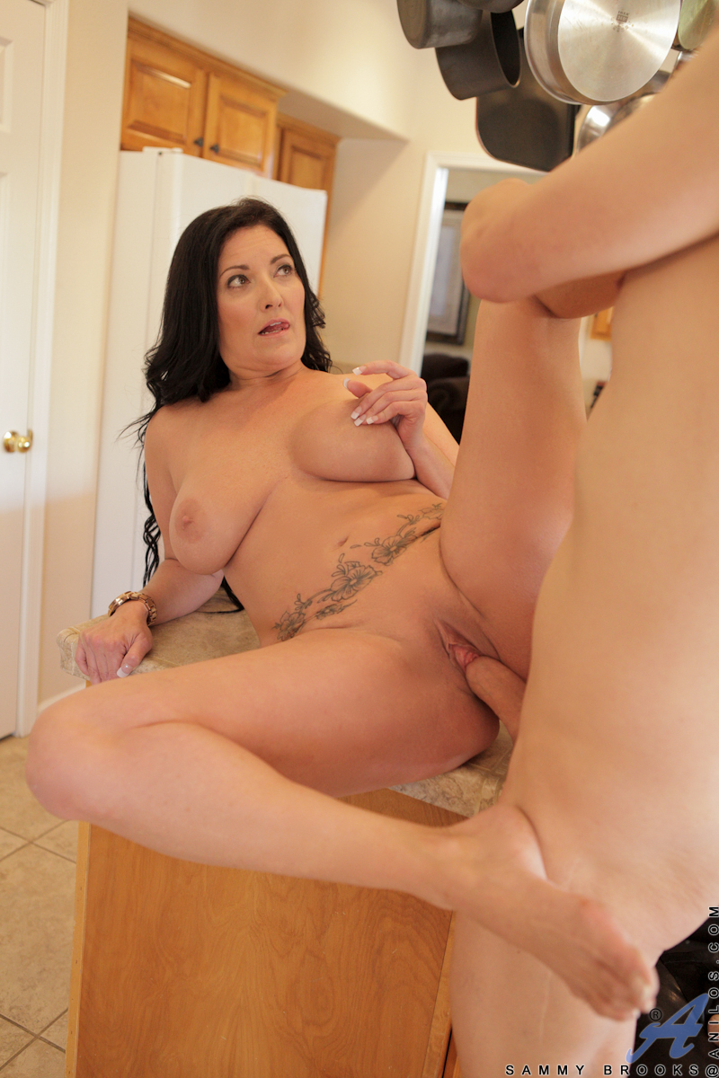 older mature women fucking