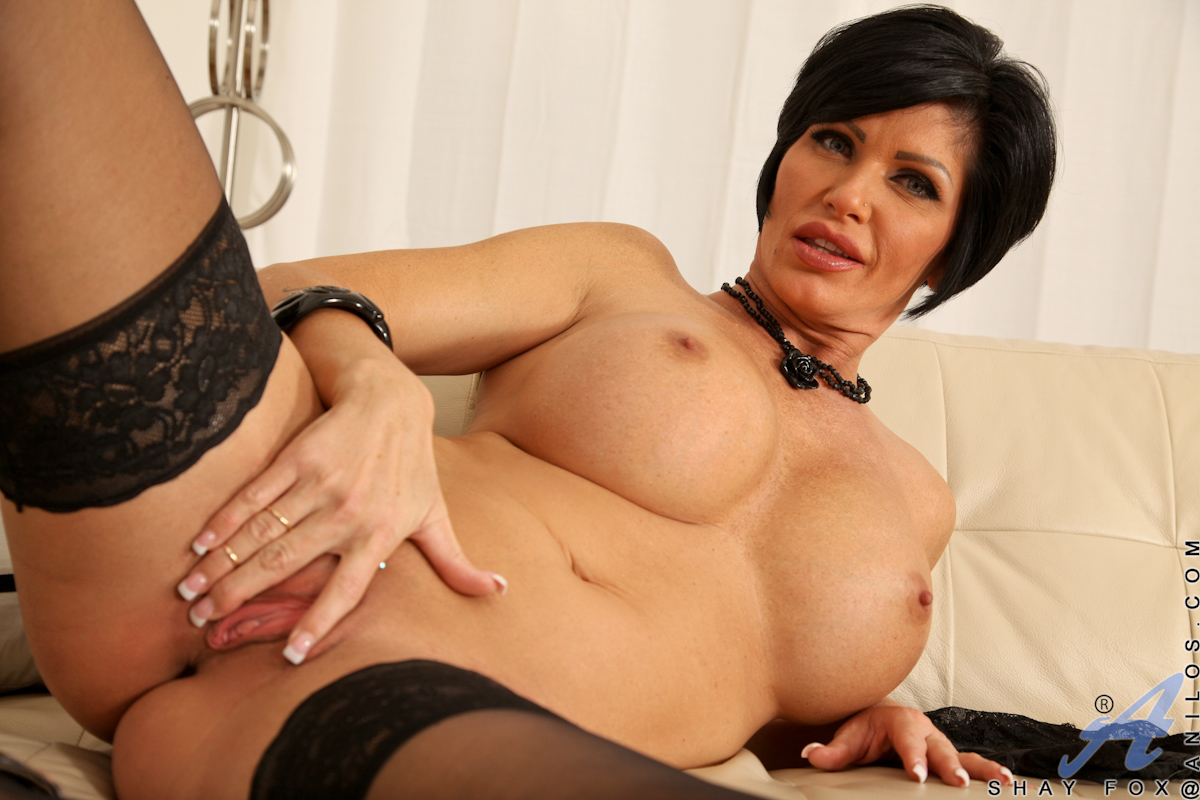 Cougar black pussy