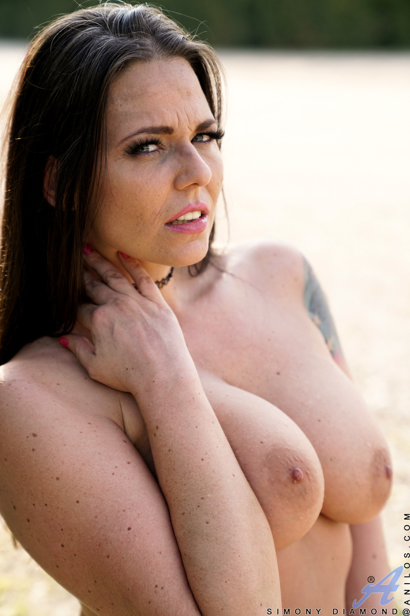 Anilos.com - Simony Diamond: Busty Brunette