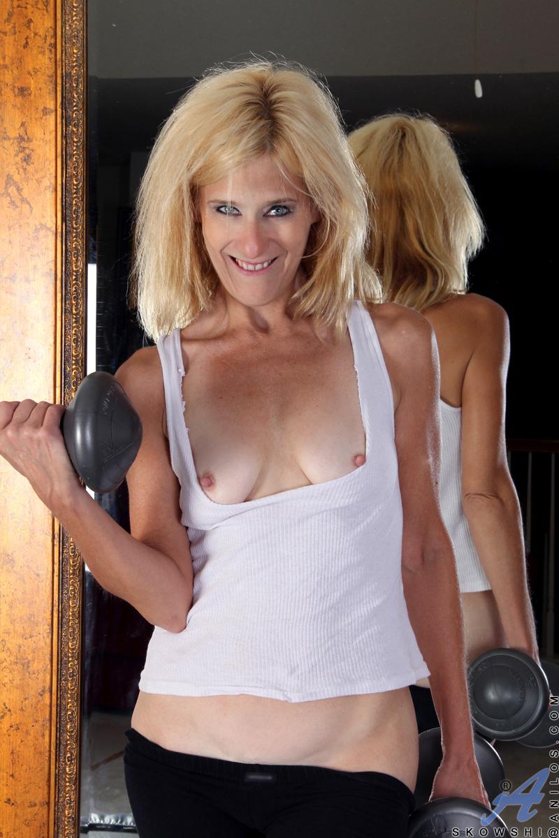 Anilos.com - Freshest mature women on the net featuring ...