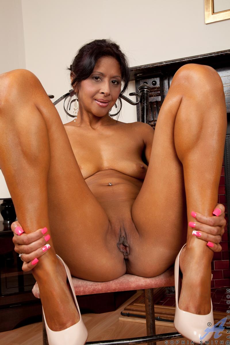 mature ebony milf nude