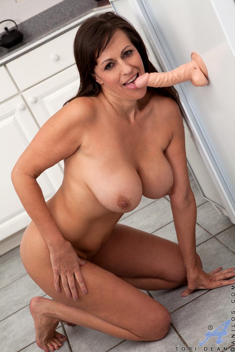 naked tori