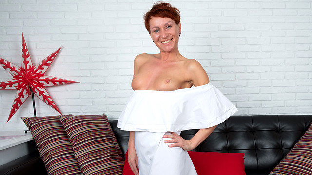 Naughty Pixie MILF Sex – Pixie Pumping Action