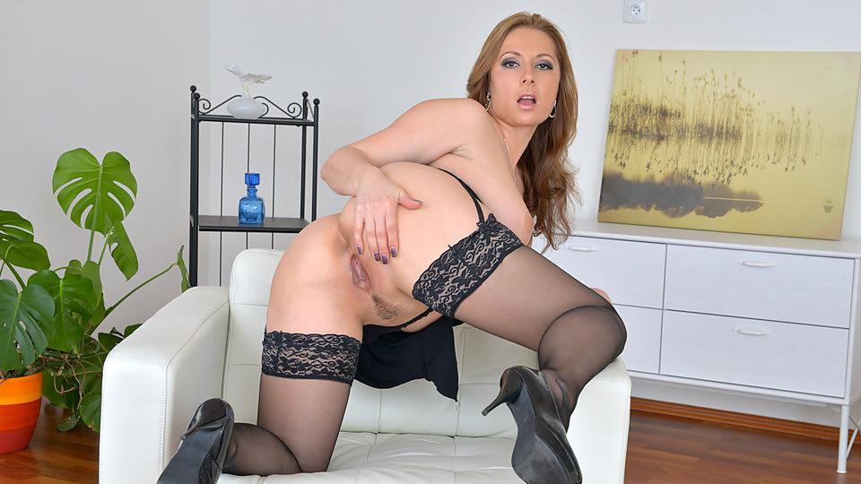 Daria glower nude