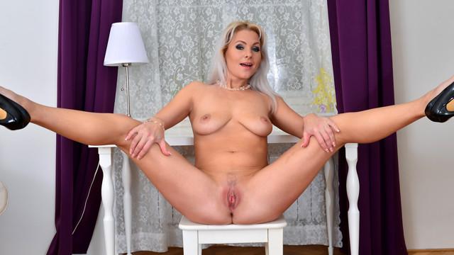 Rough lesbian tube