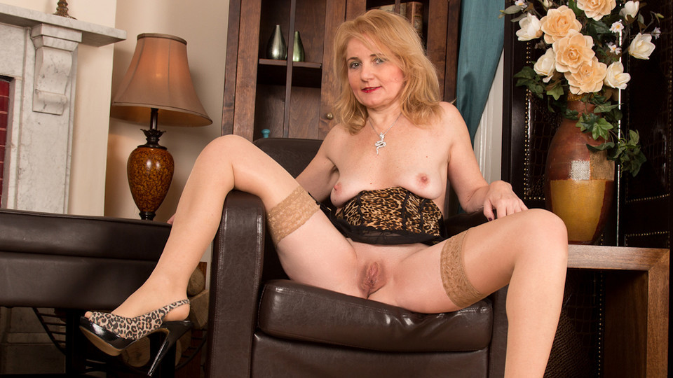 Pussy nude lilly roma