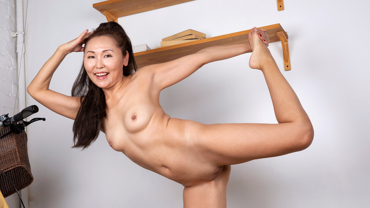 Anilos - Yoga And Masturbation