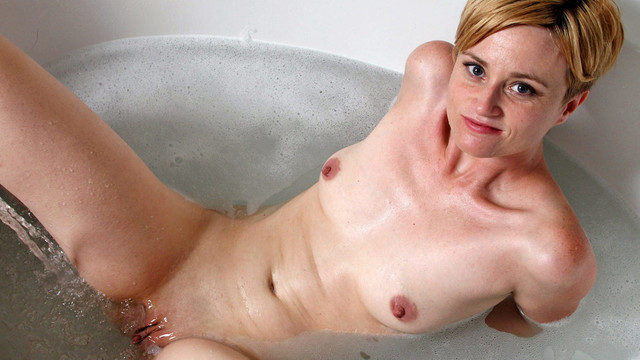 Bathroompleasure - Anilos.com