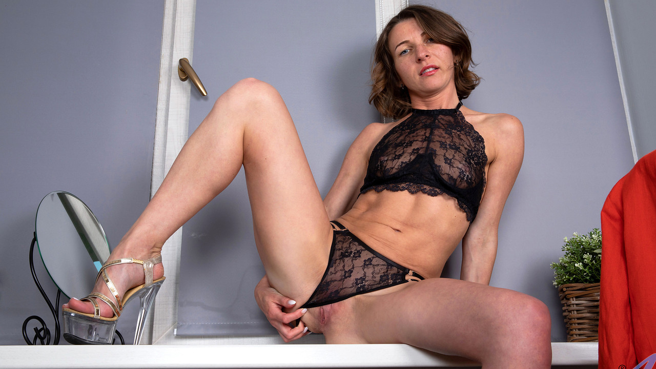 Anilos - Lovely In Lace