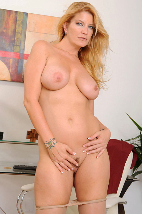 Sexy milf women naked in glasses