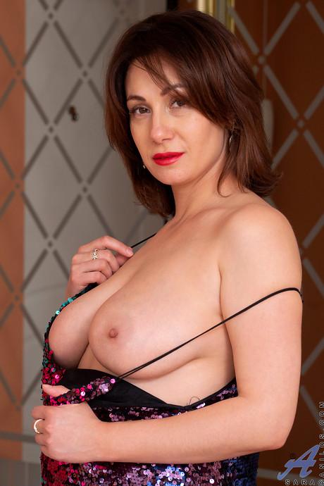 Sara Milf